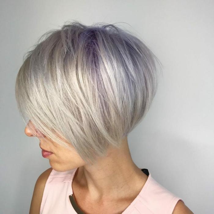 Kurzhaarfrisuren für feines Haar Bobschnitt blond gesträhnt blond