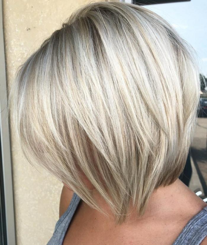Kurzhaarfrisuren für feines Haar Bobschnitt blond gesträhnt