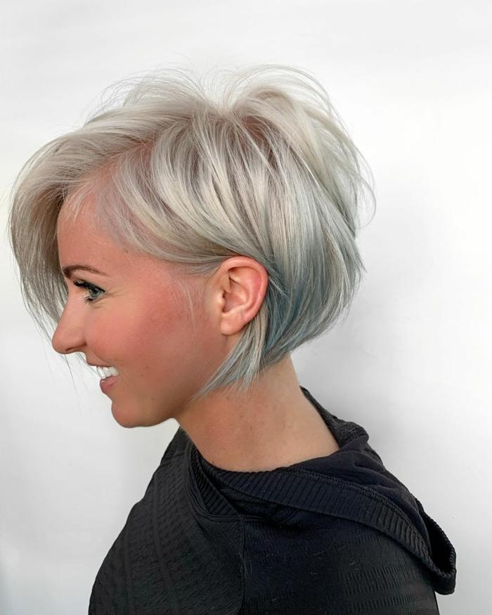 Kurzhaarfrisuren für feines Haar Bobschnitt mittellang grau