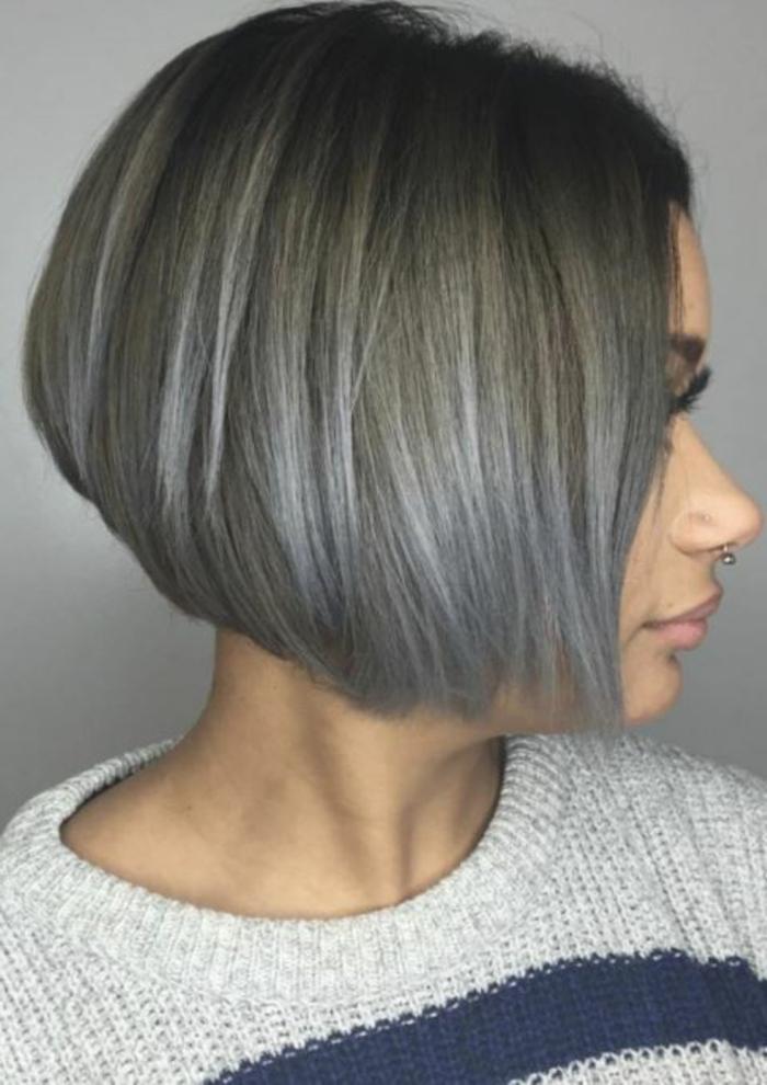 Kurzhaarfrisuren für feines Haar Bobschnitt vorn lang grau