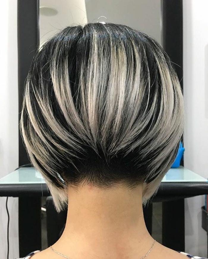 Kurzhaarfrisuren für feines Haar Bobschnitt vorn lang hinten kurz