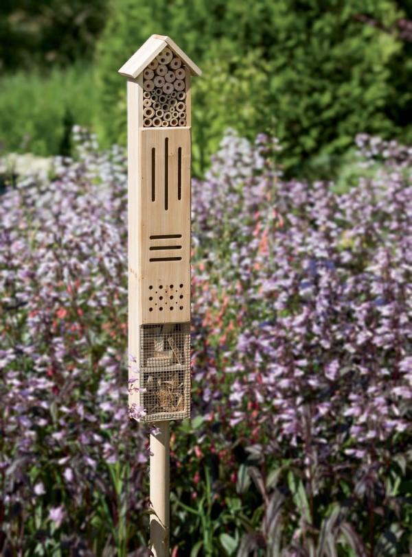 Originelle und praktische Geschenkideen für Gartenbesitzer im Frühling insektenhotel garten
