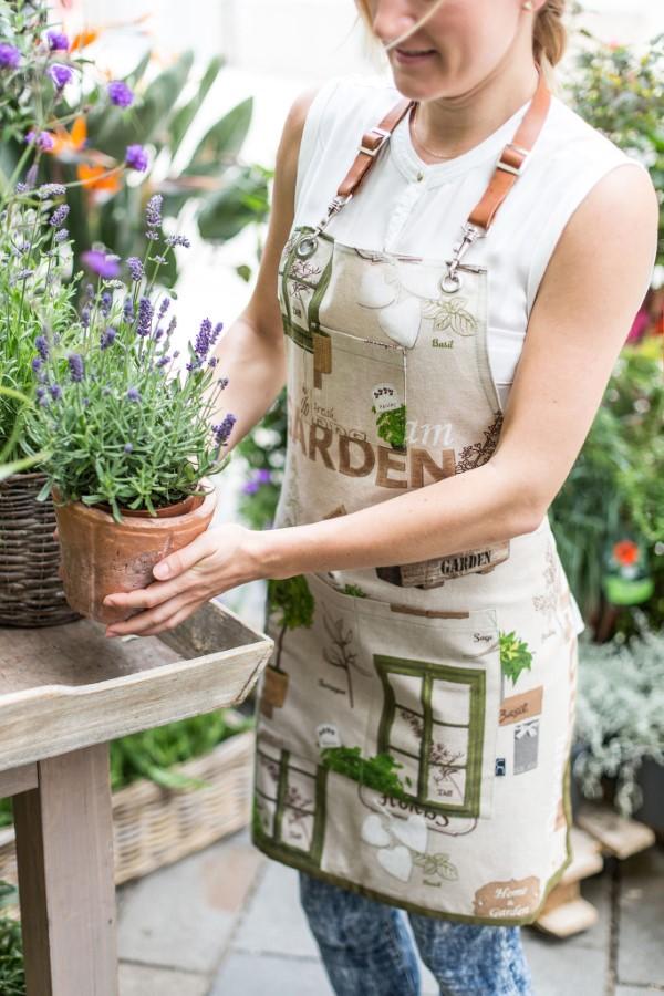 Originelle und praktische Geschenkideen für Gartenbesitzer im Frühling schürze garten stilvoll