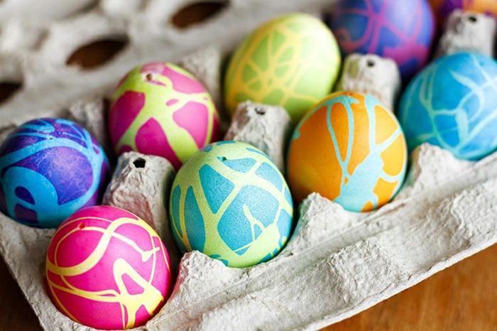 Ostereier bemalen Ideen kindgerecht bunte eier natürlich