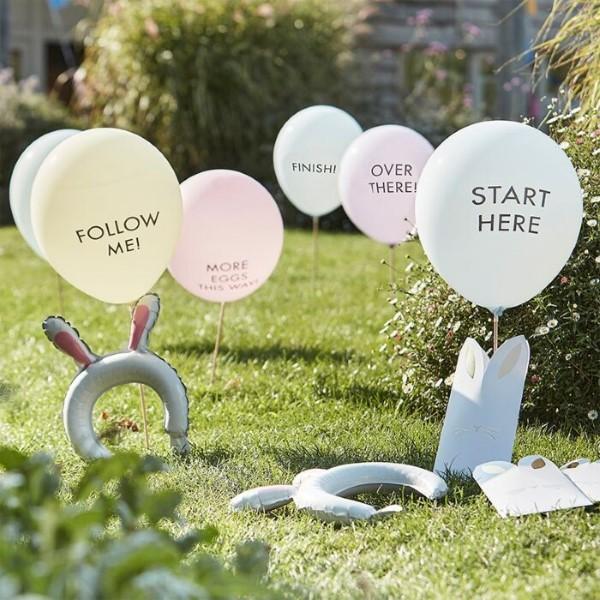 Ostereiersuche zu Hause und im Garten – kreative Ideen für Groß und Klein luftballons schön kreativ kleinkinder