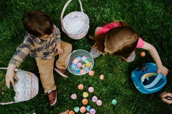 Ostereiersuche zu Hause und im Garten – kreative Ideen für Groß und Klein ostereier suchen kleinkinder schön