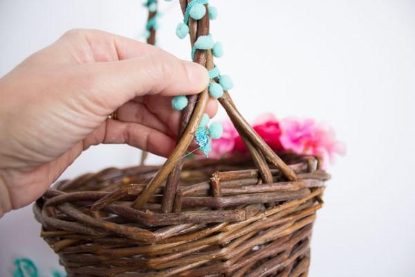 Osterkörbchen basteln – kreative Ideen, festliche Tipps und kinderleichte Anleitung zum Nachmachen bastelanleitung korb blumen