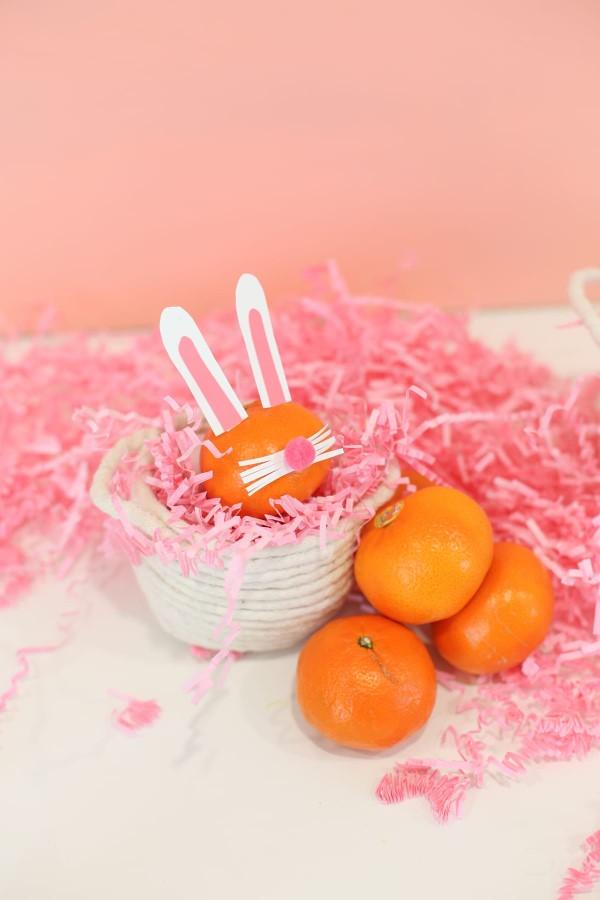 Osterkörbchen basteln – kreative Ideen, festliche Tipps und kinderleichte Anleitung zum Nachmachen mini korb flechten hasen obst