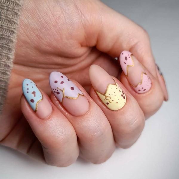 Pastell Nägel – Ideen für eine stilvolle Frühlings- und Oster-Maniküre eis creme sommer pastell