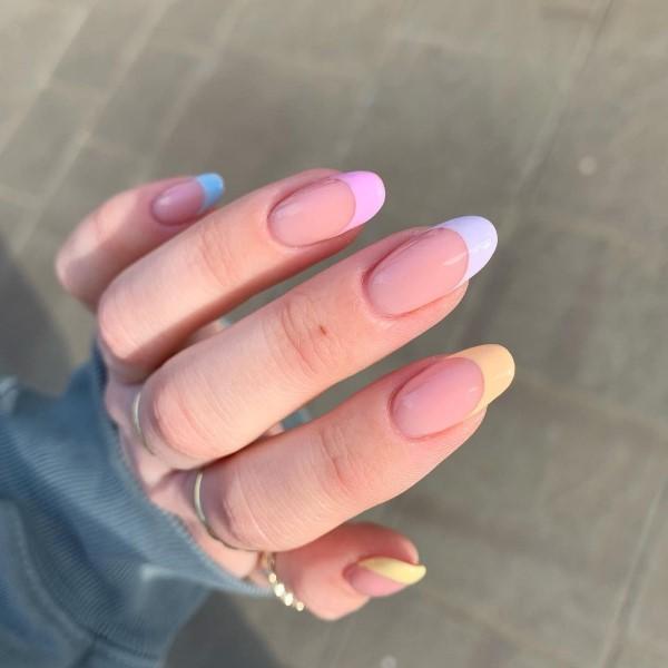 Pastell Nägel – Ideen für eine stilvolle Frühlings- und Oster-Maniküre french mani bunt