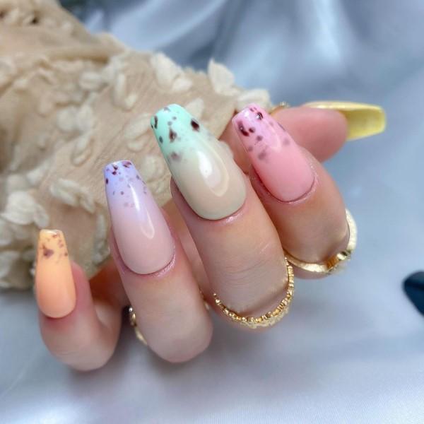 Pastell Nägel – Ideen für eine stilvolle Frühlings- und Oster-Maniküre ombre french mani ideen