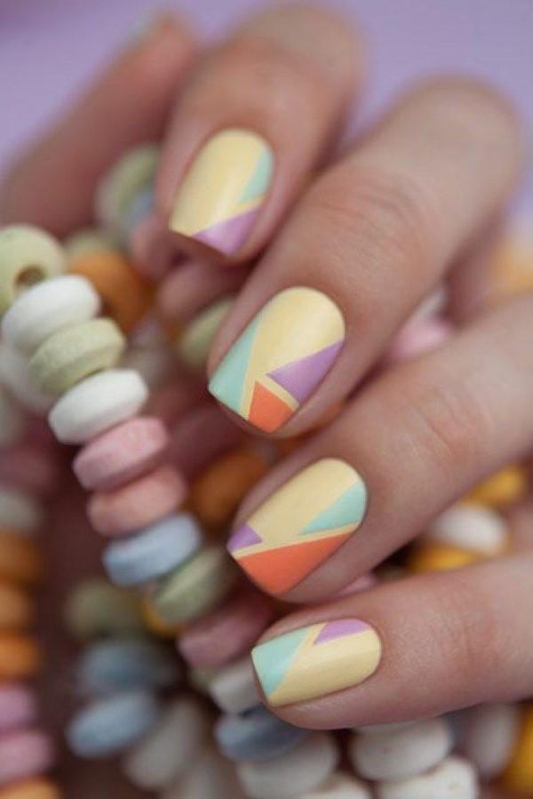 Pastell Nägel – Ideen für eine stilvolle Frühlings- und Oster-Maniküre zucker bonbon muster
