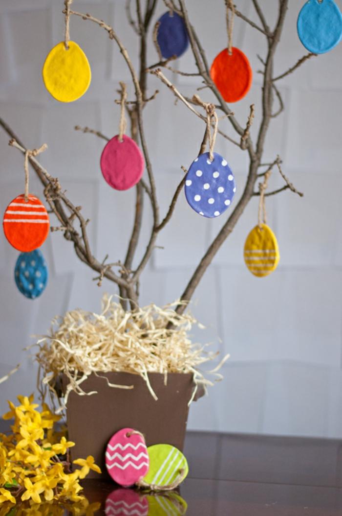 Salzteig Ostern Ideen basteln mit Kindern zu ostern osterbaum