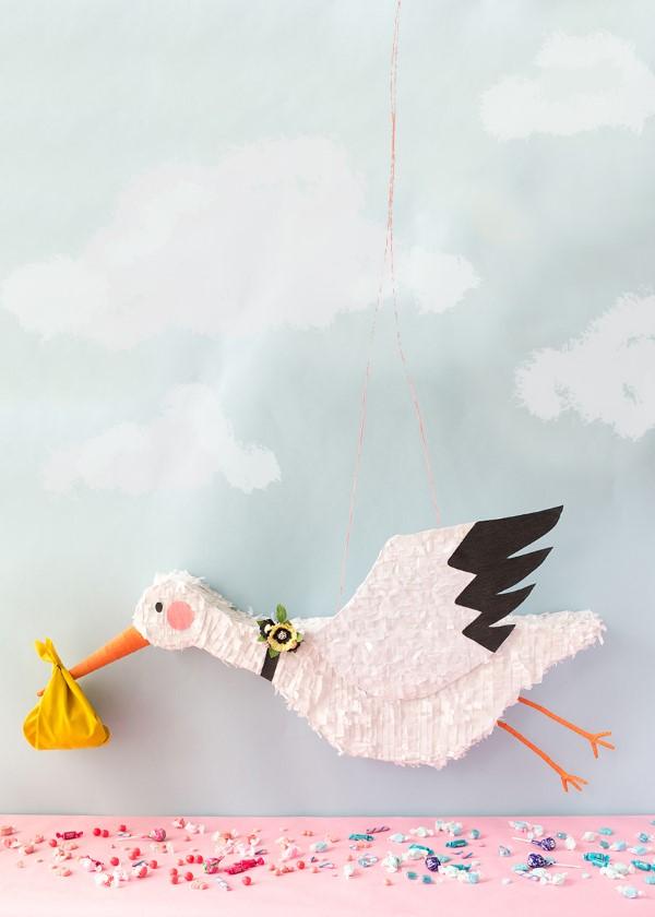 Storch basteln – frische Ideen und Anleitung zum Frühling storch pinata baby party shower