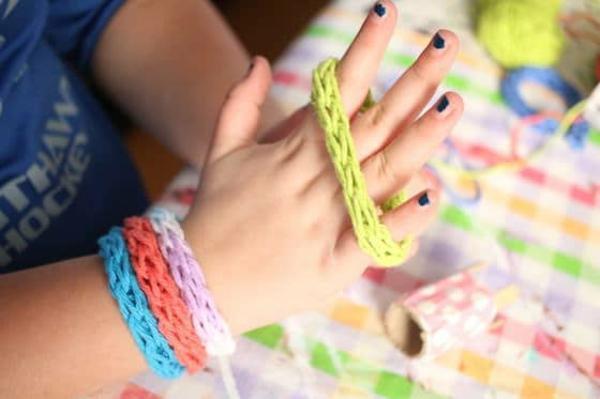Strickliesel Anleitung Ideen Fingestricken Armbänder