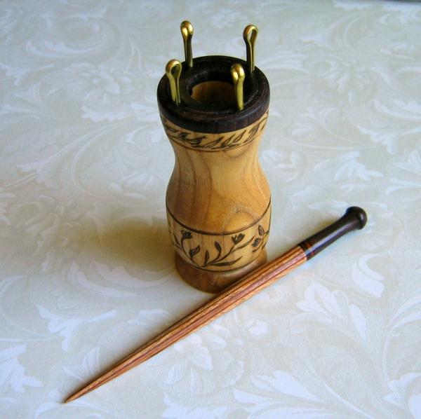Strickliesel aus Holz Anleitung Ideen Fingestricken