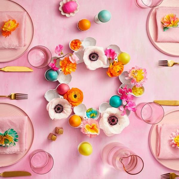 Tischdeko zu Ostern Ostertisch Blumen in Eierschalen