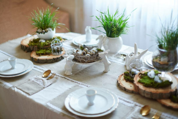 Tischdeko zu Ostern Ostertisch Tisch eindecken Ostern