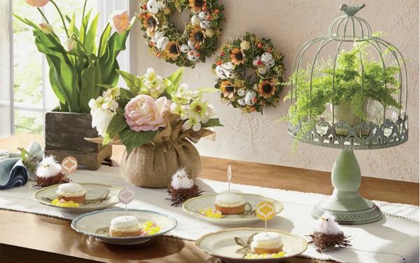 Tischdeko zu Ostern Ostertisch dekorieren Osterkranze