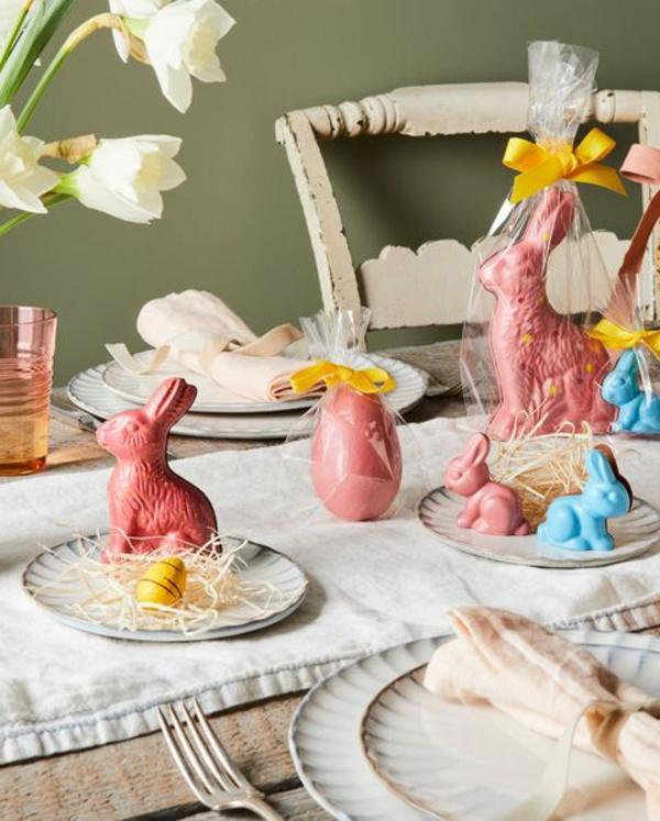 Tischdeko zu Ostern Ostertisch dekorieren essbare Osterhasen