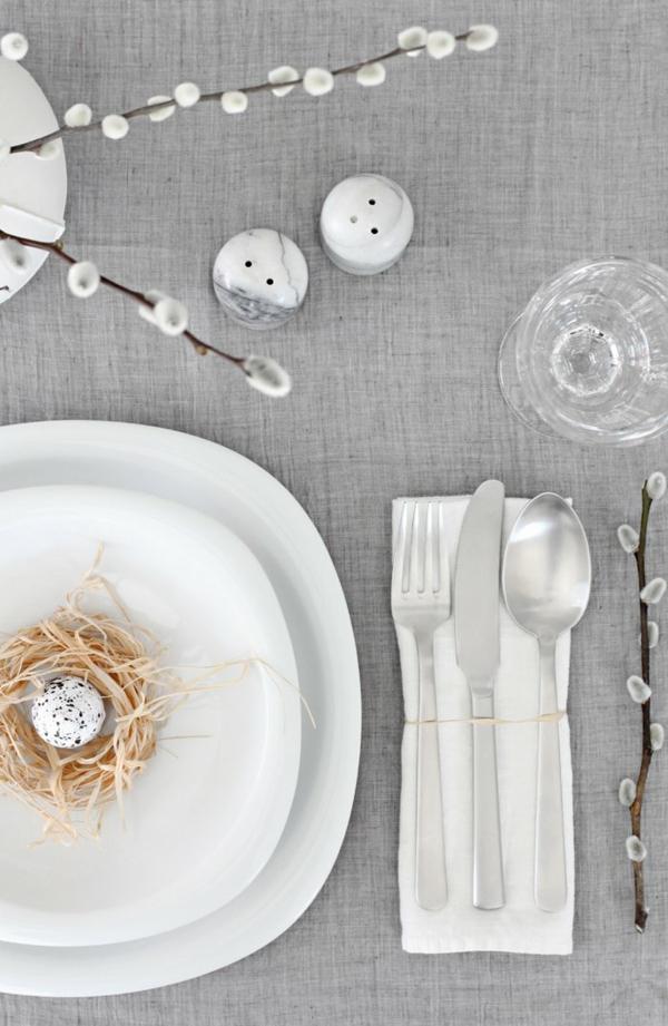 Tischdeko zu Ostern Ostertisch dekorieren monochrome Farben