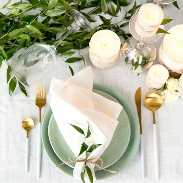 Tischdeko zu Ostern Ostertisch dekorieren originelle Ideen