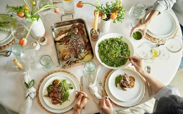 Tischdeko zu Ostern Tisch eindecken Tipps
