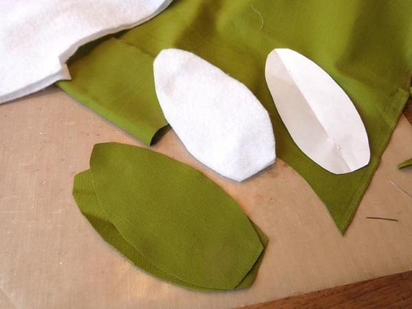 Wie kann man Tulpen basteln - Nähanleitung für DIY Tulpen aus Stoff Blätter zuschneiden