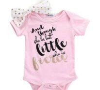 Babykleidung richtig auswählen und waschen: wichtige Infos und Tipps!