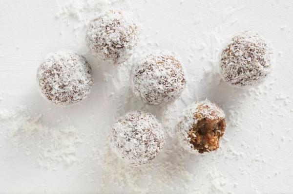 energy balls kokosflocken schnelle frühstücksideen