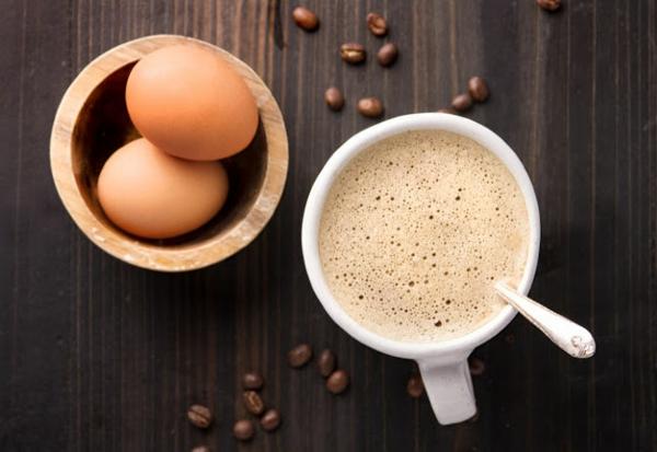 gesunder eierkaffee zu ostern
