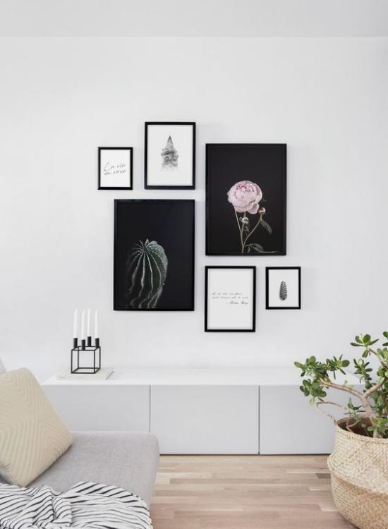 moderne Fotowand eklektische Bilderanordnung sehr stilvoll im Wohnzimmer