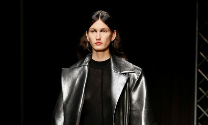 modetrends 2021 metalik leder
