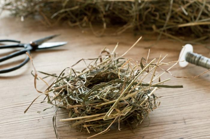 osternest backen osternest basteln naturmaterialien vogelnest ostergras klein
