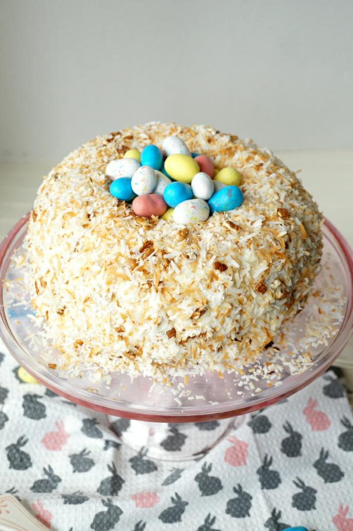 osternest backen schokoladentorte mit eiern hausgemacht