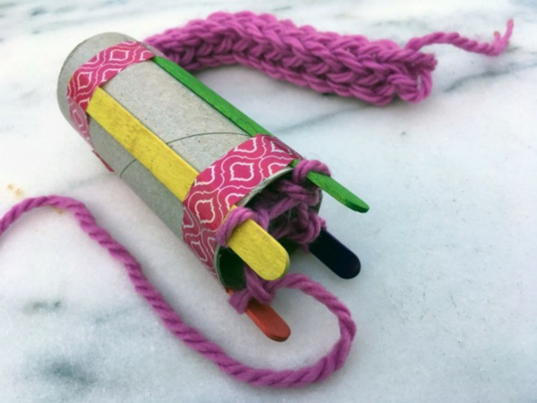 stricken mit Strickliesel basteln Fingestricken