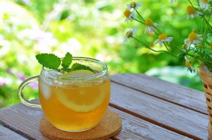 tränensäcke entfernen hausmittel'melisse