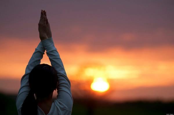 Aquarian Sadhana Kundalini Yoga Morgen Saghana die Sonne begrüßen