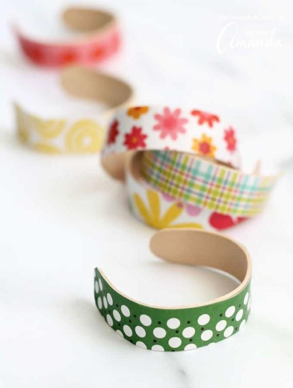 Basteln mit Eisstielen – coole Recycling-Bastelideen und Anleitung armbänder freunde bunt