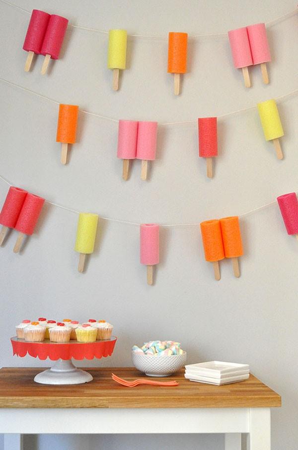Basteln mit Eisstielen – coole Recycling-Bastelideen und Anleitung girlande eis am stiel