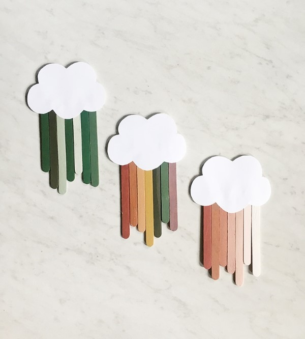 Basteln mit Eisstielen – coole Recycling-Bastelideen und Anleitung wolken regen diy ombre