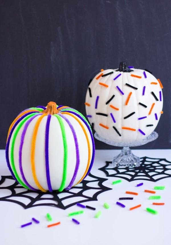Basteln mit Pfeifenreinigern – 60 Bastelideen zum einfachen Nachmachen halloween deko kürbisse