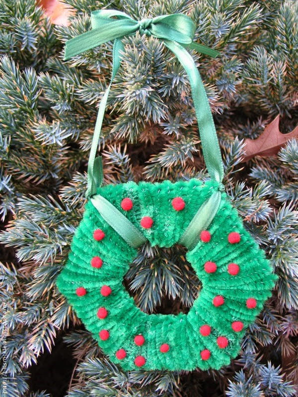 Basteln mit Pfeifenreinigern – 60 Bastelideen zum einfachen Nachmachen kranz ornament weihnachten