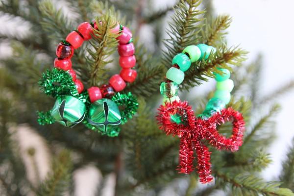 Basteln mit Pfeifenreinigern – 60 Bastelideen zum einfachen Nachmachen weihnachten basteln kränze ornamente