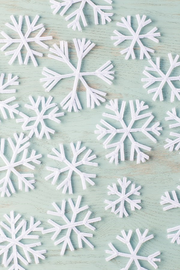 Basteln mit Pfeifenreinigern – 60 Bastelideen zum einfachen Nachmachen weihnachten schneeflocken winter basteln