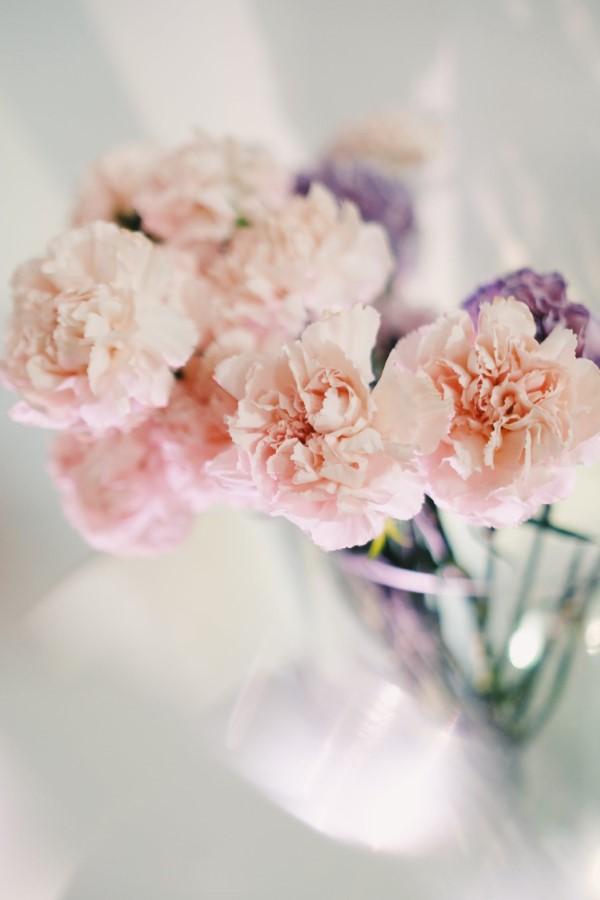 Blumenstrauß zum Muttertag selber binden – Die besten Blumenarten für Mama und Tipps nelken arrangement muttertag