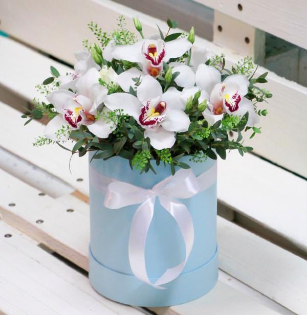 Blumenstrauß zum Muttertag selber binden – Die besten Blumenarten für Mama und Tipps orchideen strauß muttertag box