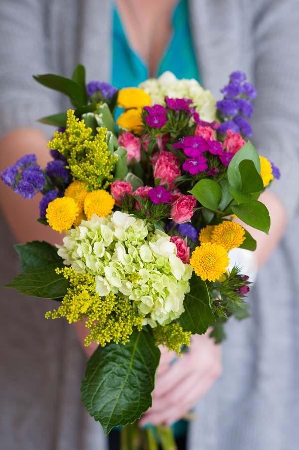 Blumenstrauß zum Muttertag selber binden – Die besten Blumenarten für Mama und Tipps schöner blumenstrauß mama