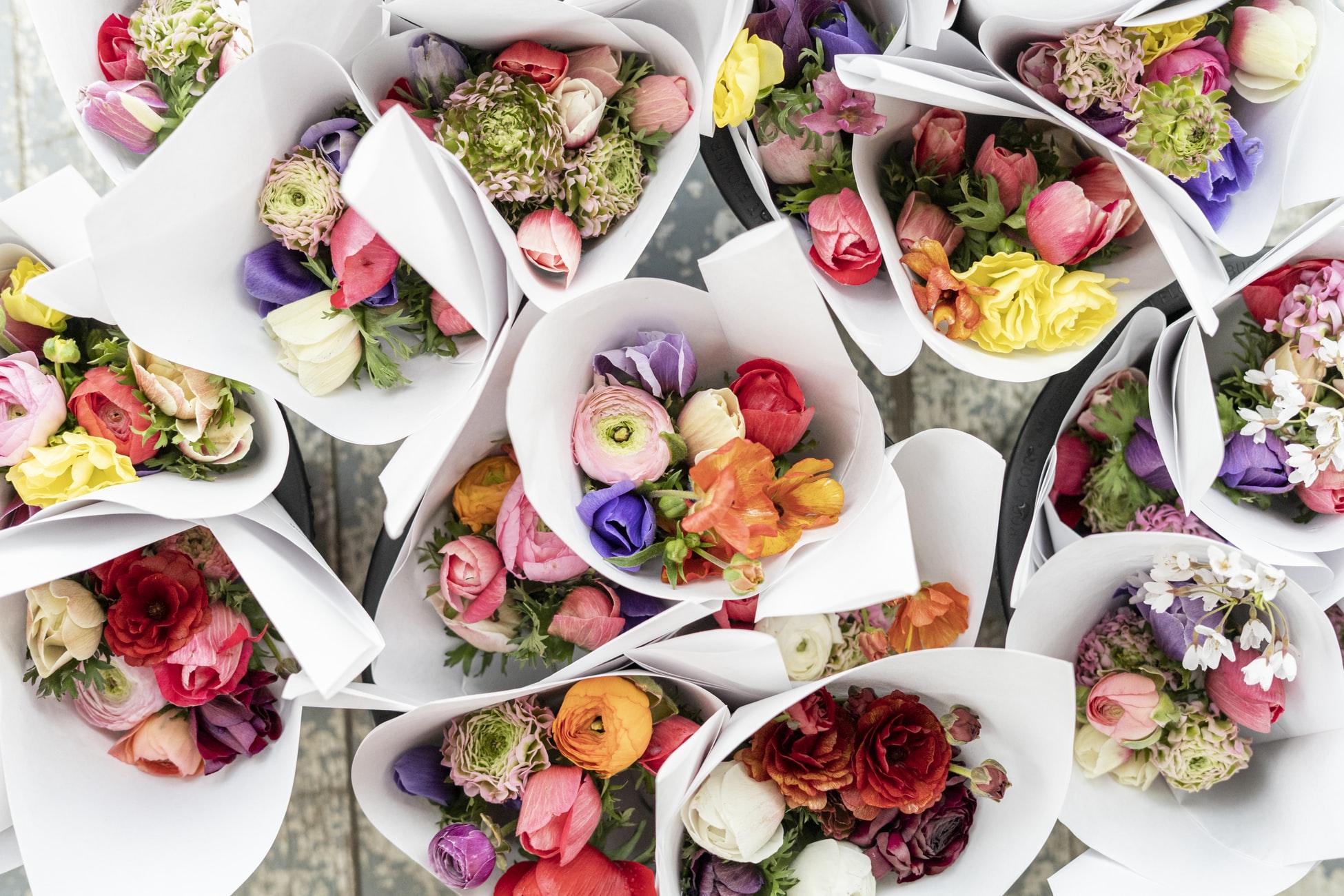 Blumenstrau-zum-Muttertag-selber-binden-Die-besten-Blumenarten-f-r-Mama-und-Tipps