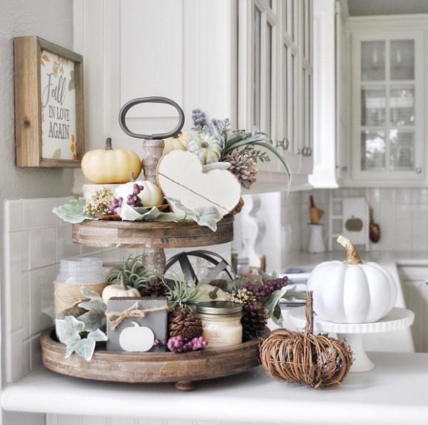 Etagere dekorieren – Ideen und Tipps für eine schöne und praktische Deko küche deko rustikal kürbis herbst